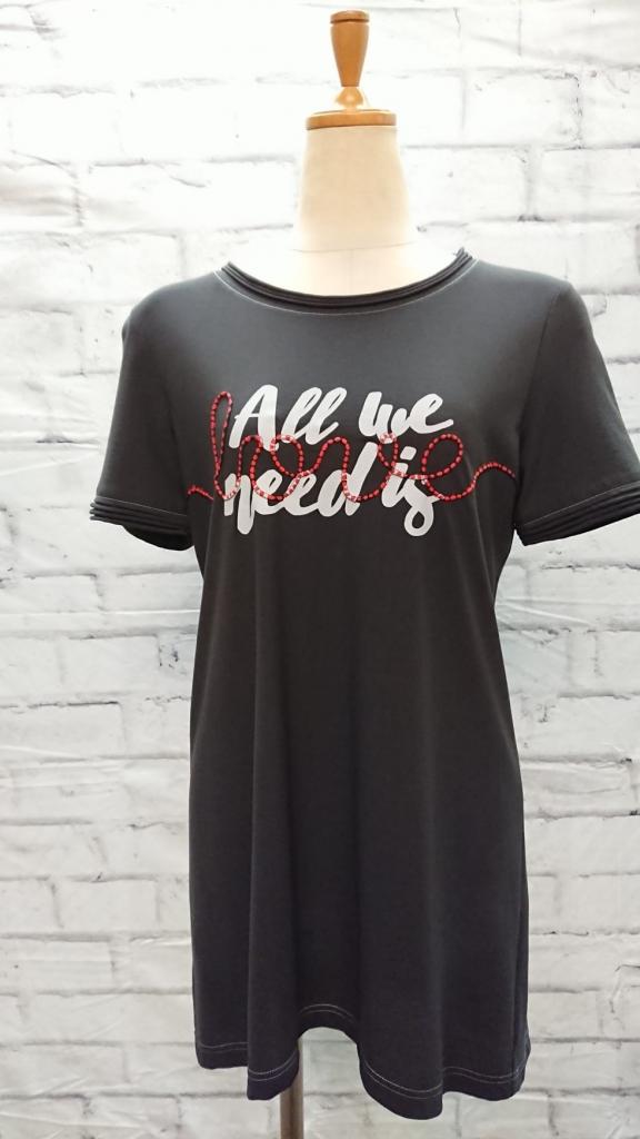 美シルエットなロングTシャツで女度アップ♪